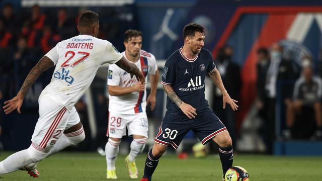 Na estreia de Messi em casa, Neymar marca e Icardi garante vitória do PSG no fim