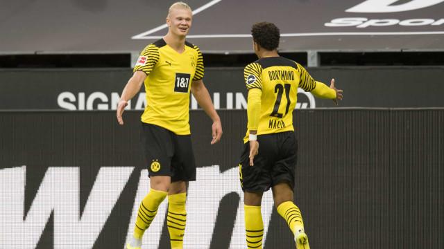 Haaland marca duas vezes, garante vitória e tem mais gols que jogos pelo Dortmund