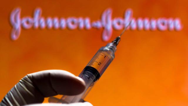 Dose de reforço da vacina da J&J impulsiona forte resposta imunológica