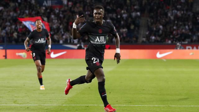 Sem Messi e com assistência de Neymar, PSG vence o oitavo jogo seguido no Francês