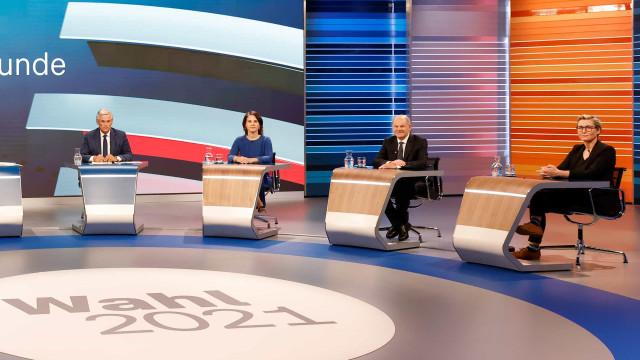 Boca de urna indica empate entre social-democratas e conservadores na Alemanha