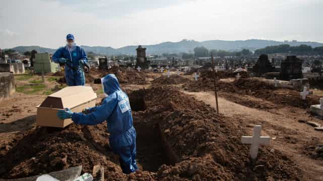 Corpo de idosa sepultado como se fosse outra pessoa é novamente enterrado em SP