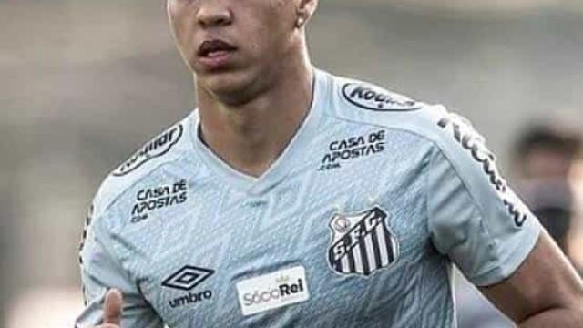Kaio Jorge ironiza derrota do Santos para o Juventude: 'Problema era o atacante'