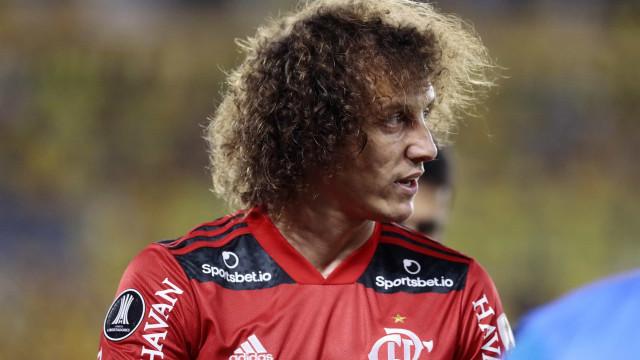 Zagueiro David Luiz sofre lesão e vira desfalque no Flamengo