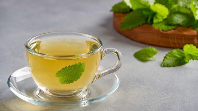 Anda muito tenso? Aprenda como preparar um chá calmante