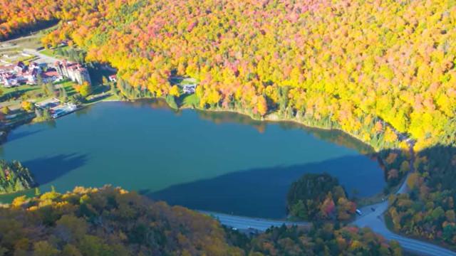 Drone capta as cores de outono em New Hampshire