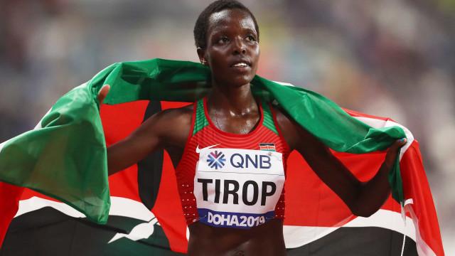 Recordista mundial, corredora queniana é encontrada morta após ataque a faca