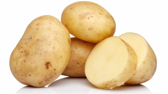 Quer se livrar da ferrugem? Ora, use batata (sim, leu bem!)