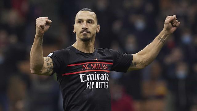 Milan busca virada por 3 a 2 contra Verona e assume a liderança do Italiano