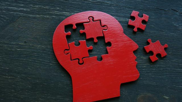 Sinais precoces de demência podem ser detectados no sangue, revela estudo