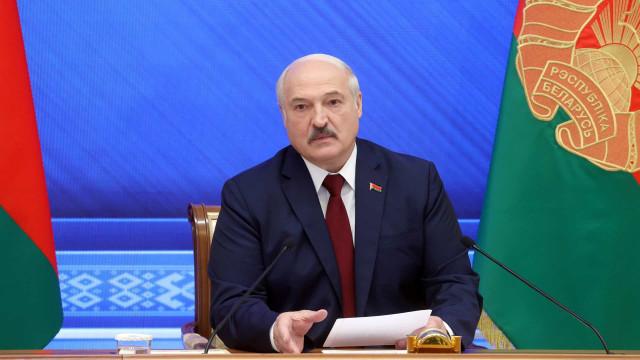 Destruída na Belarus, mídia recorre a segredo e exílio para manter noticiário