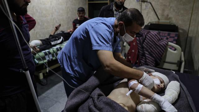 Ataque na Síria mata 14 soldados, e resposta do Exército deixa 10 civis mortos