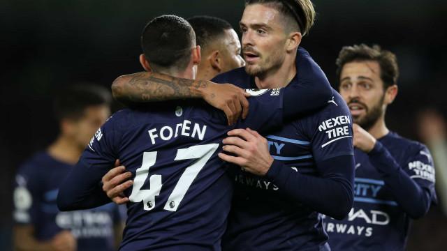 Manchester City faz quatro sobre a sensação Brighton e dorme em segundo no Inglês