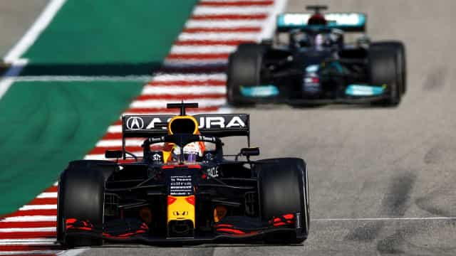 Verstappen vence GP nos EUA e amplia vantagem para Hamilton