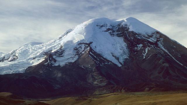Avalanche em vulcão nevado no Equador deixa ao menos 3 mortos e 3 desaparecidos