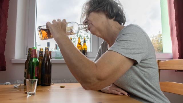 Álcool demais entre idosos já desafia a saúde pública