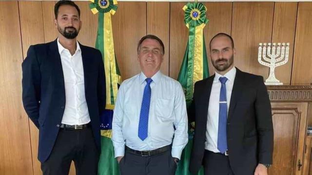 'Tudo é homofobia e feminismo', ironiza Bolsonaro sobre punição a jogador