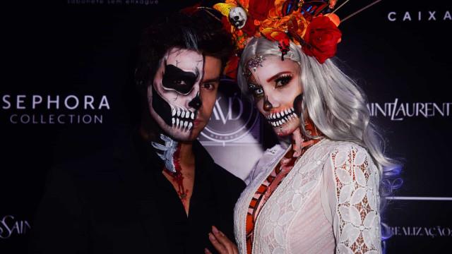 Famosas ousam na fantasia durante festa de Halloween em São Paulo