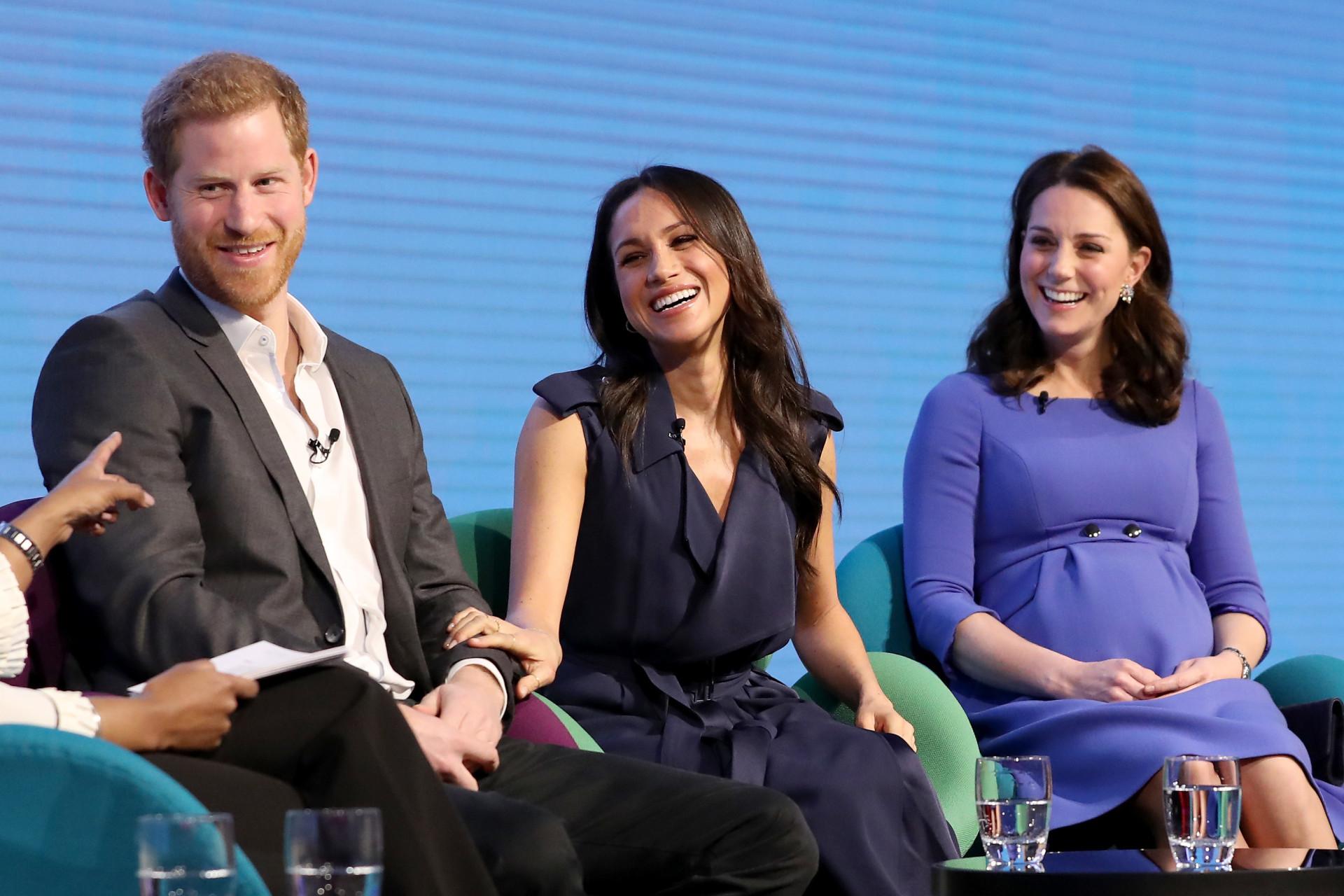 Olhares de amor: Harry e Meghan completam 1 anos de casados