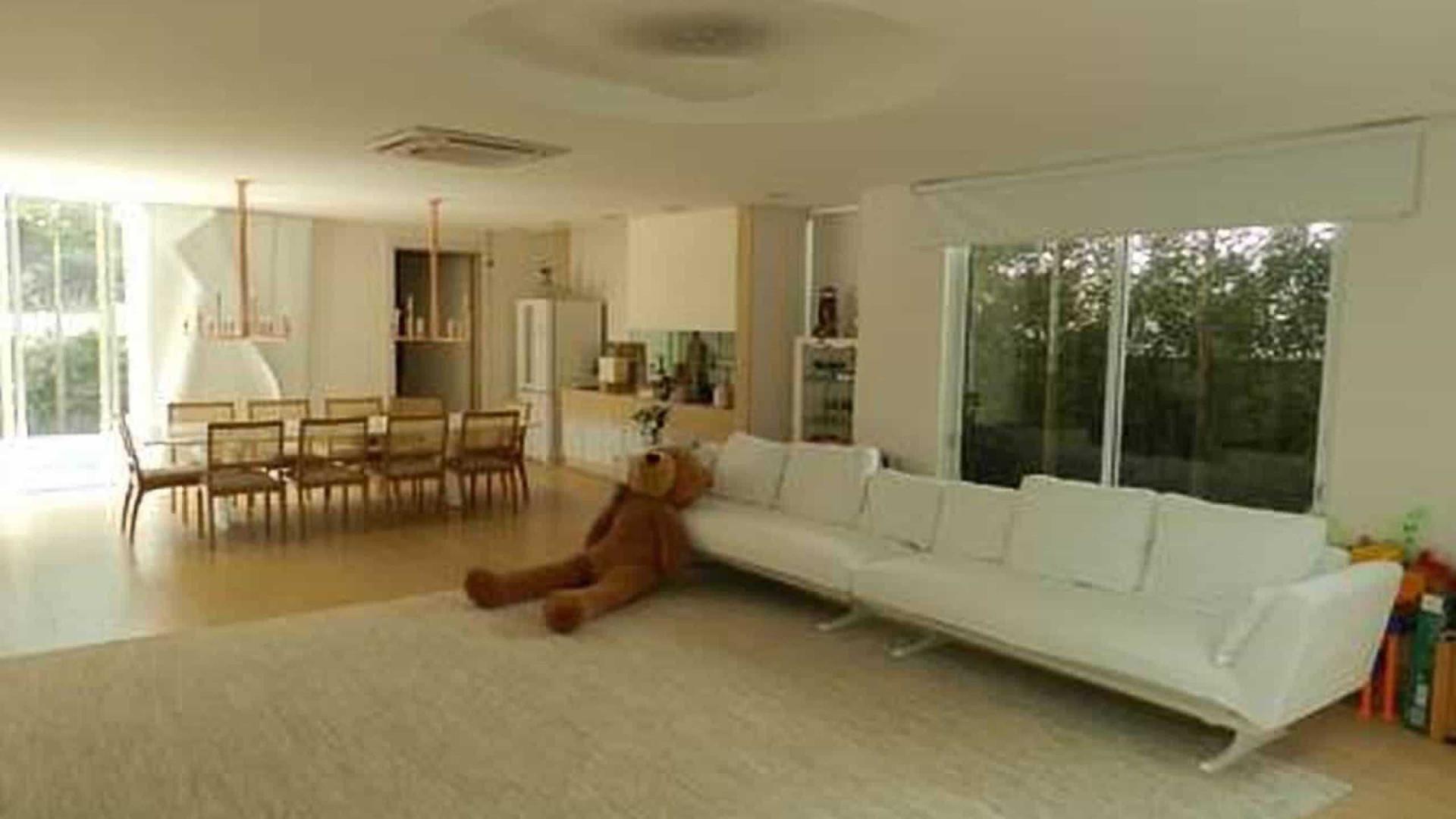 Simaria coloca mansão em Goiânia à venda por R$ 3 milhões