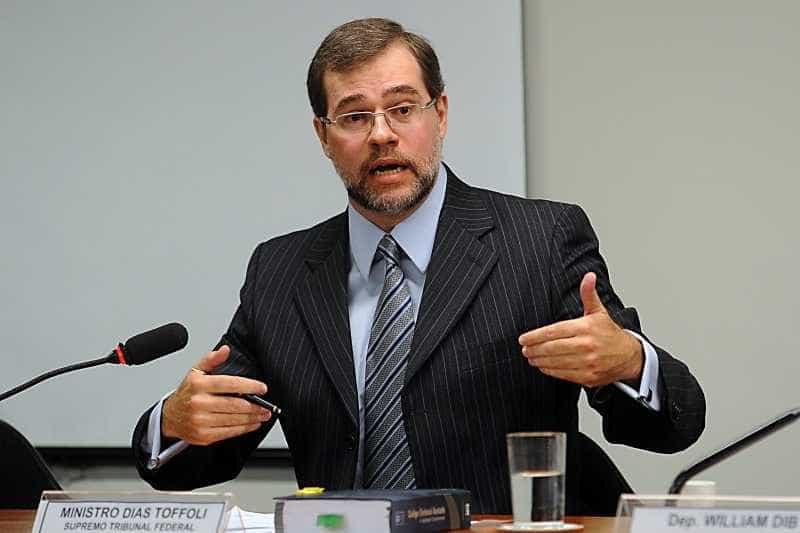 STF manda revista e site excluírem reportagem que cita Dias Toffoli
