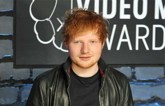 Ed Sheeran está entre os mais tocados em funerais do Reino Unido