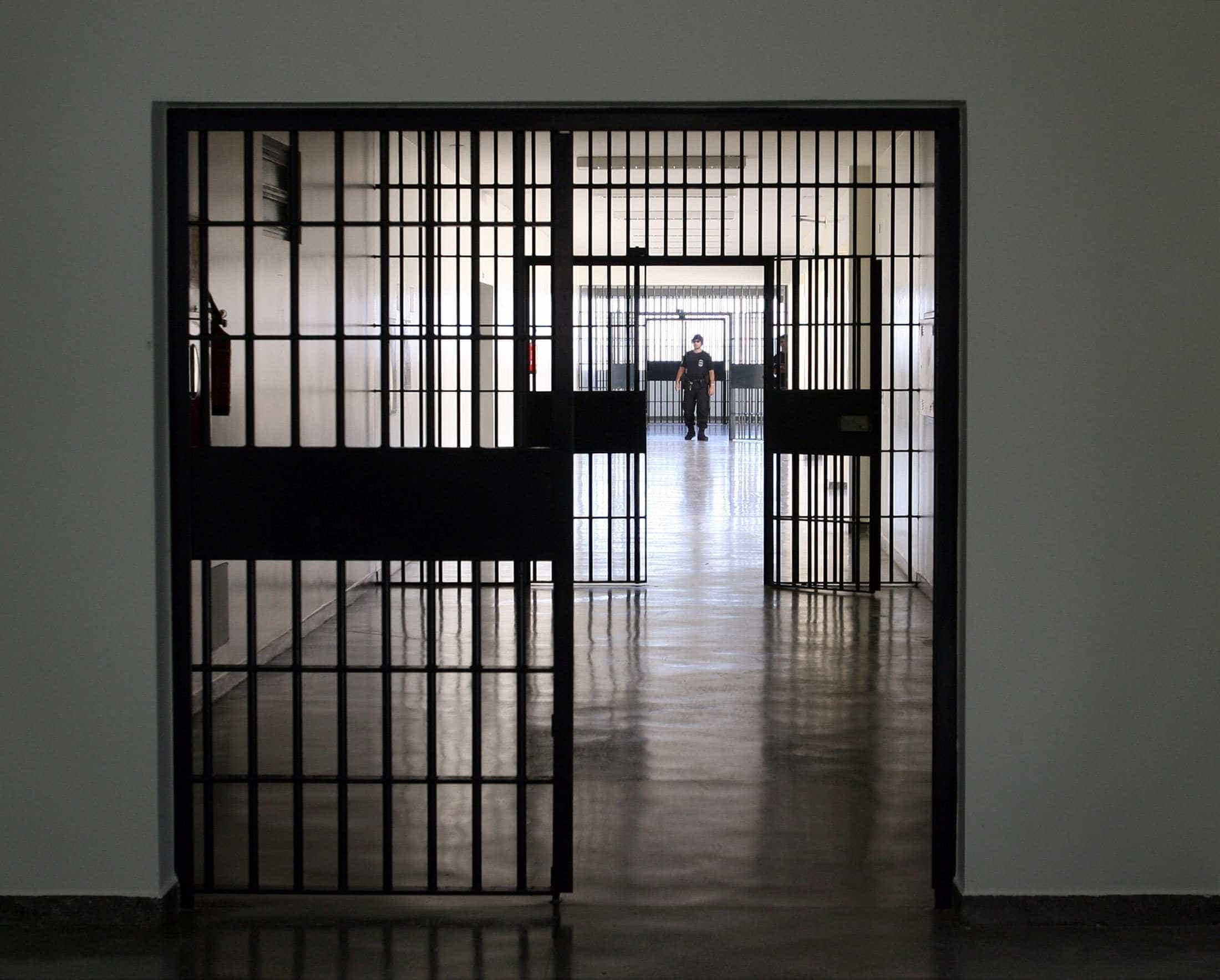PMs se comovem com história de preso e arrecadam doações para ajudar