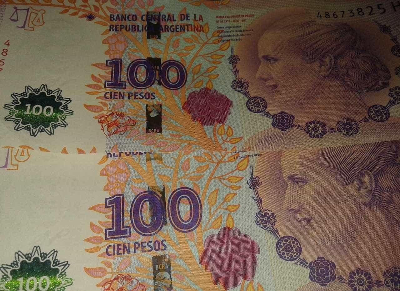 Em dia de alívio na Argentina, peso sobe em relação ao dólar
