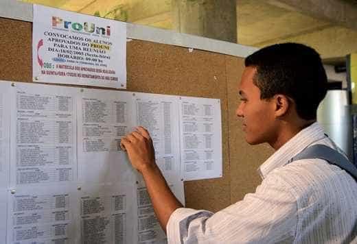 Pré-aprovados no ProUni devem comprovar informações até a sexta