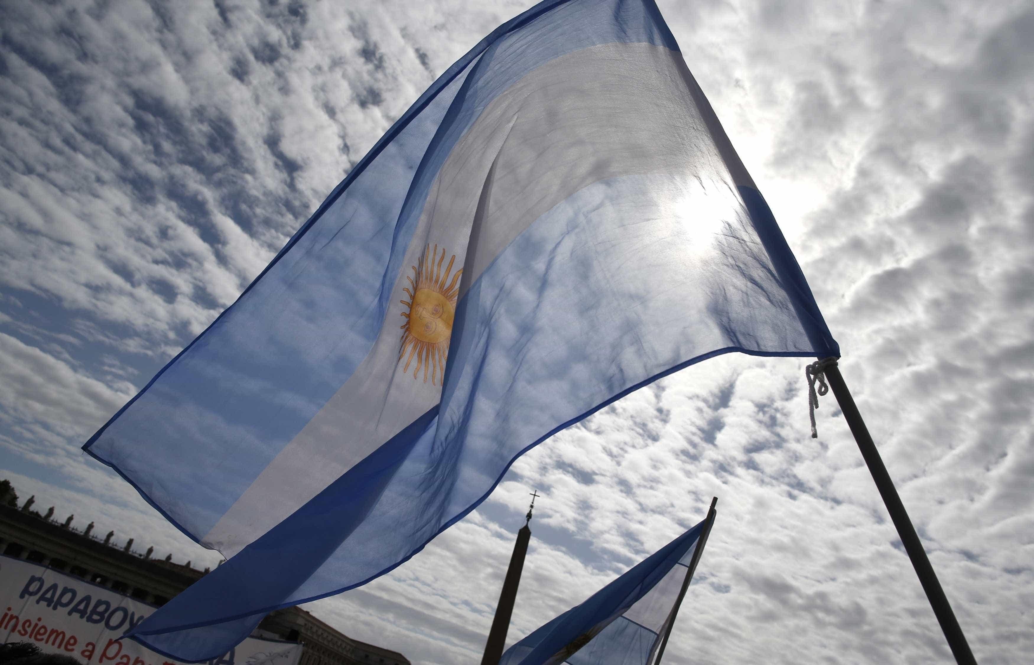 Após alta dos juros e do dólar, Argentina vive momento de apreensão