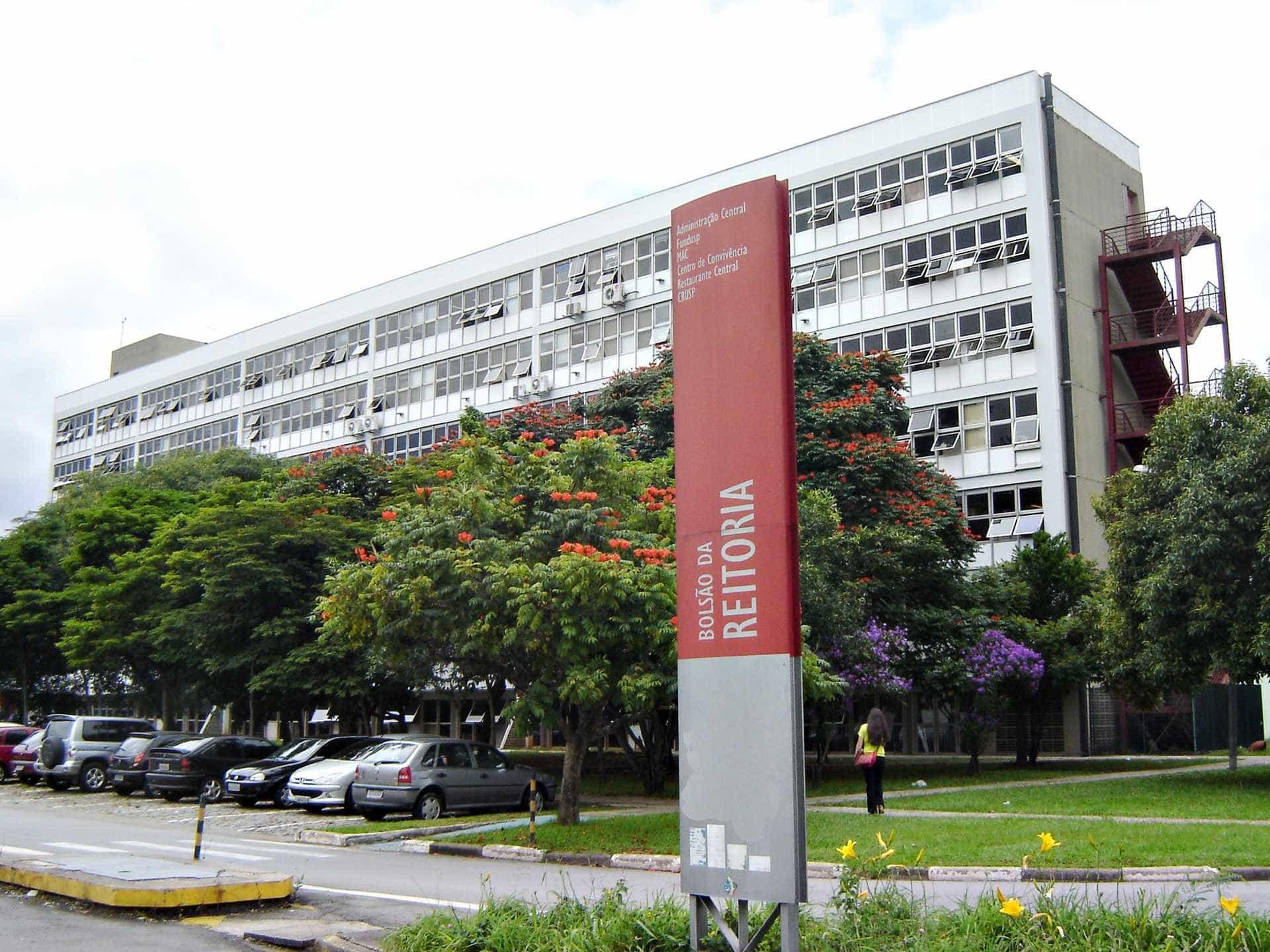 USP garante matrícula de estudantes de colégios militares