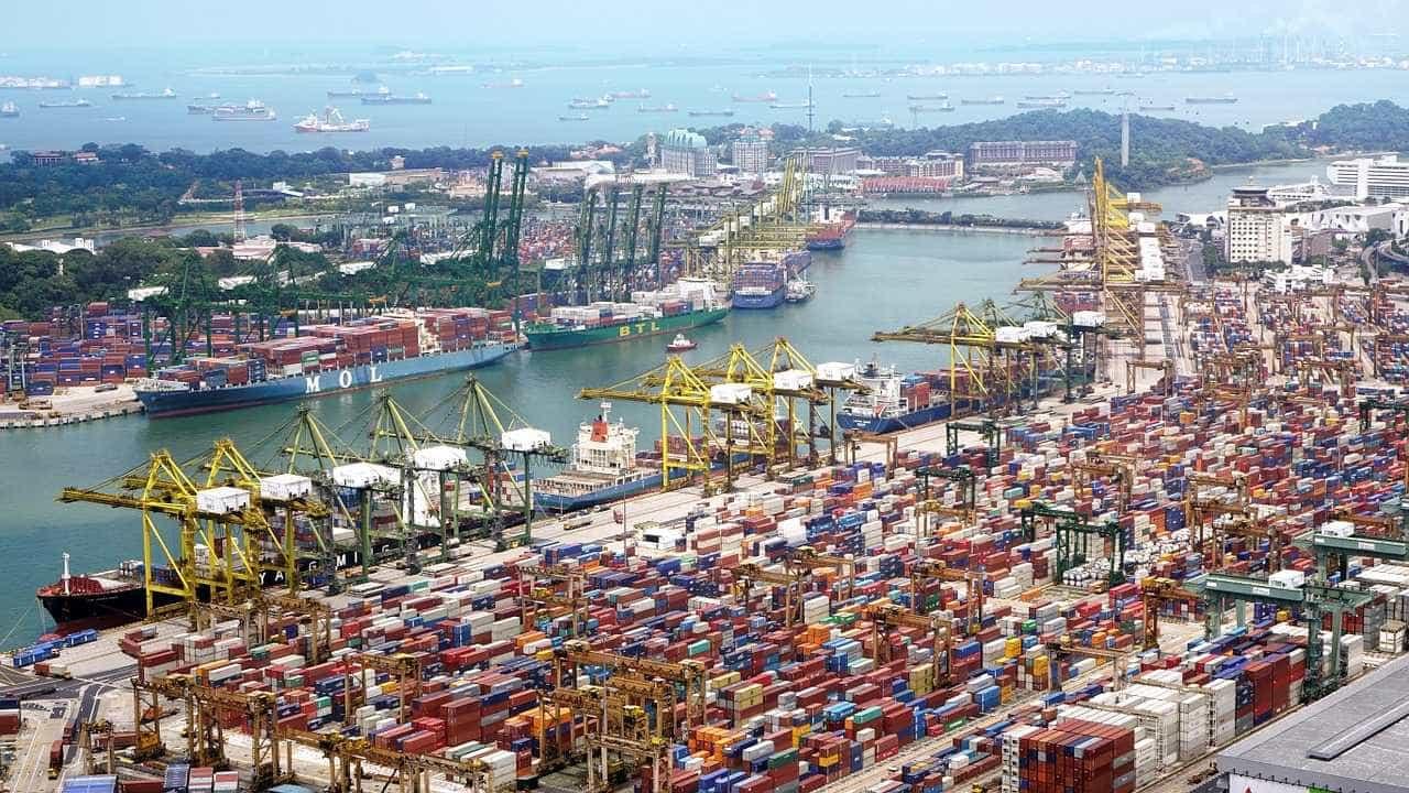 Balança comercial tem superávit de US$ 4 bilhões em novembro