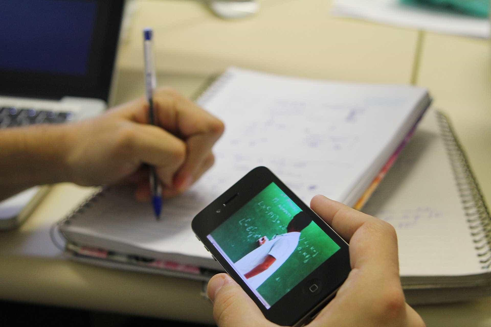 MEC homologa diretrizes que permitem 30% do ensino médio a distância