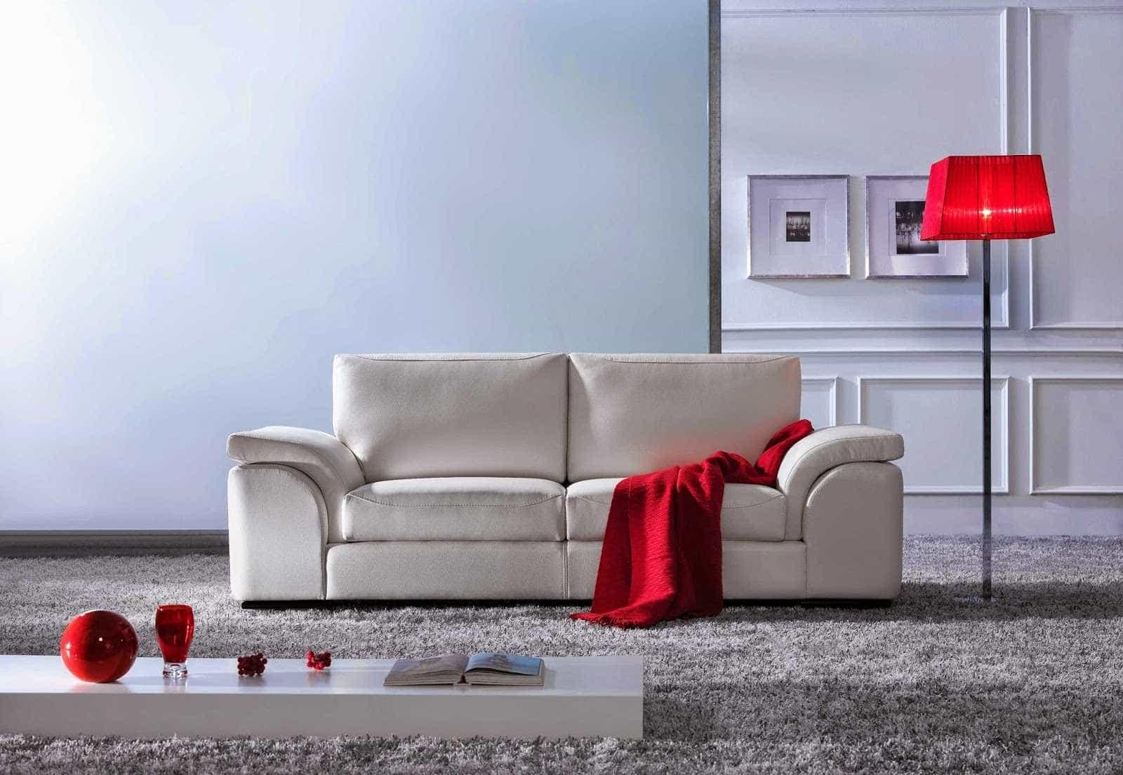 4 truques para retirar manchas do sofá