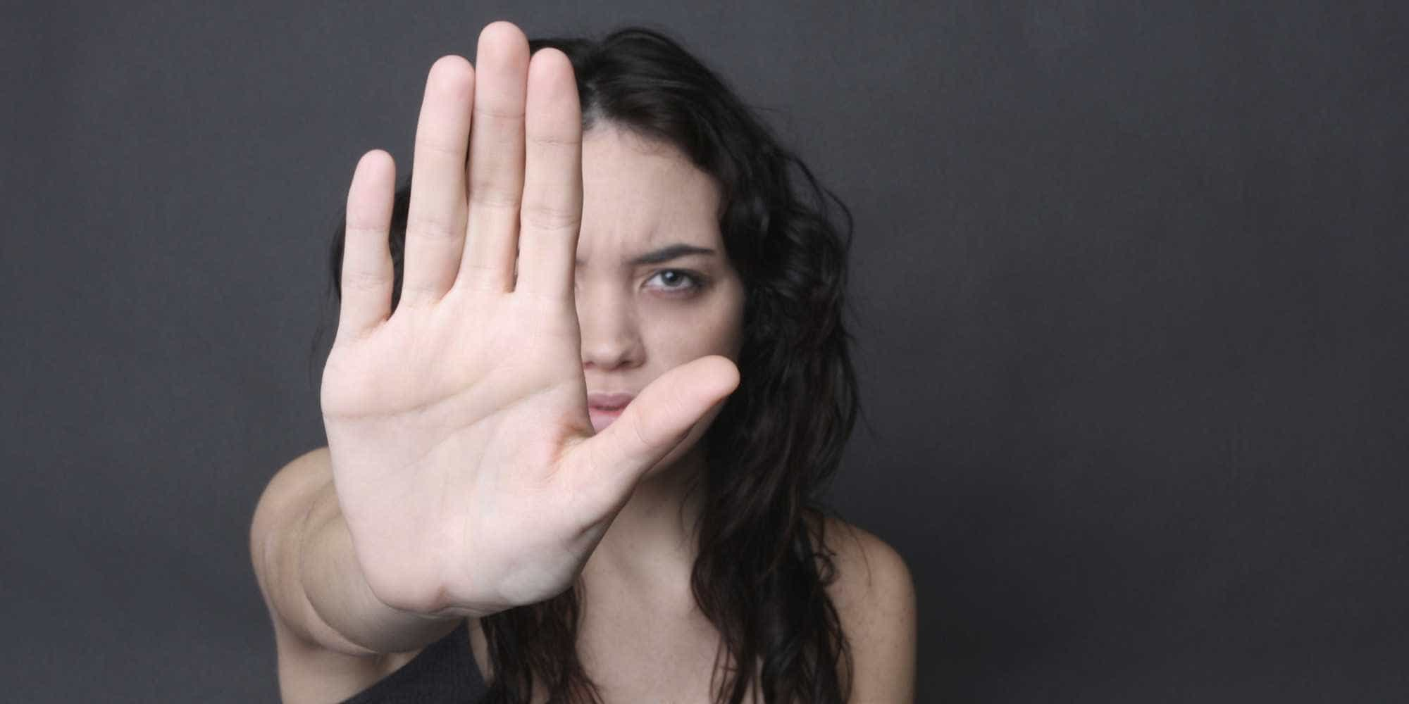 Denúncias na web de violência contra a mulher crescem 1.640% em 2018