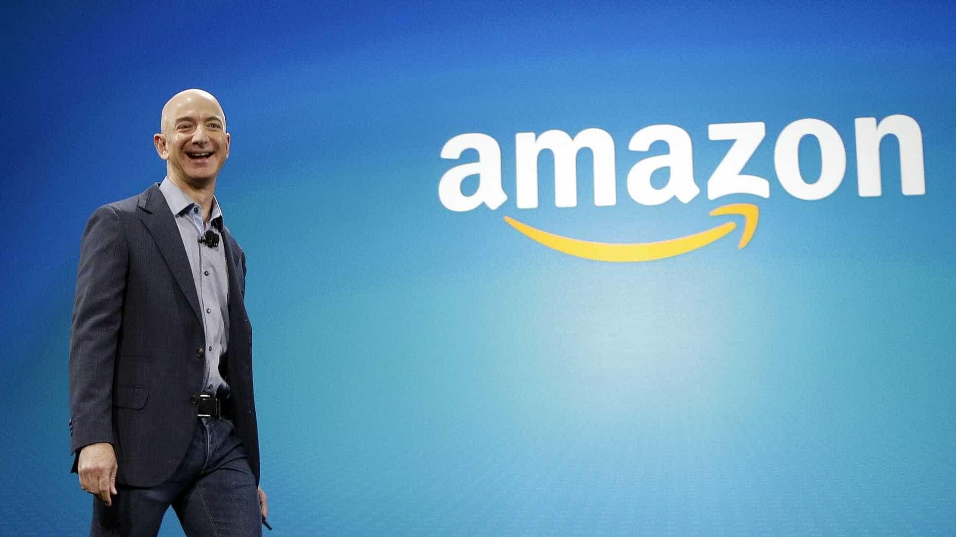 Jeff Bezos segue no posto de homem mais rico do mundo, segundo a Forbes