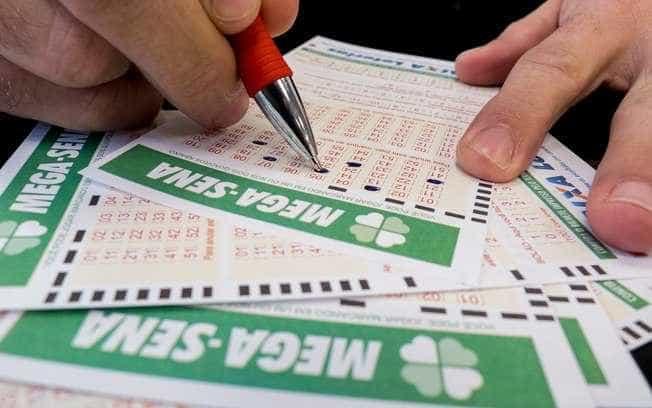 Ninguém acertou as 6 dezenas da Mega-Sena; prêmio vai a R$ 105 milhões