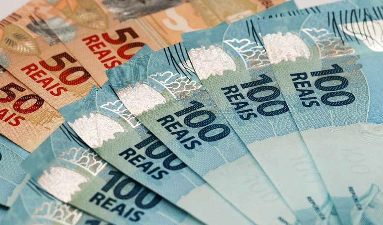 Dinheiro vivo já não é usado por 4% da população, diz Banco Central