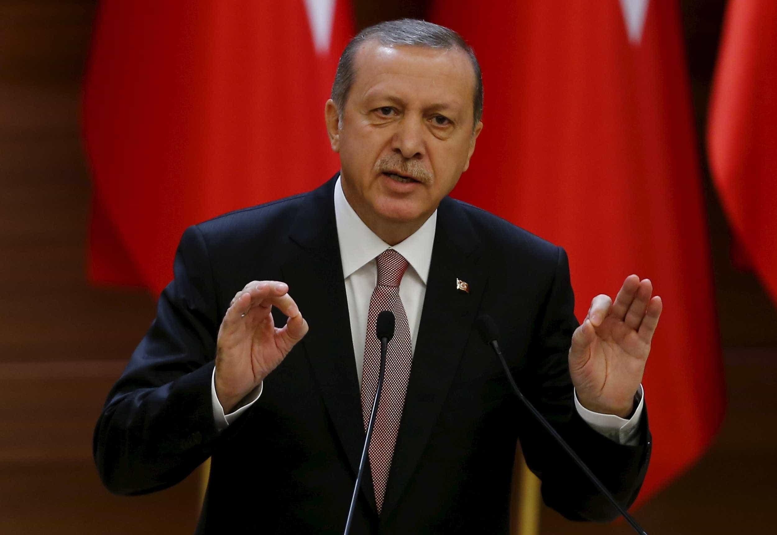 Banco Central da Turquia eleva taxa de juros para 24%
