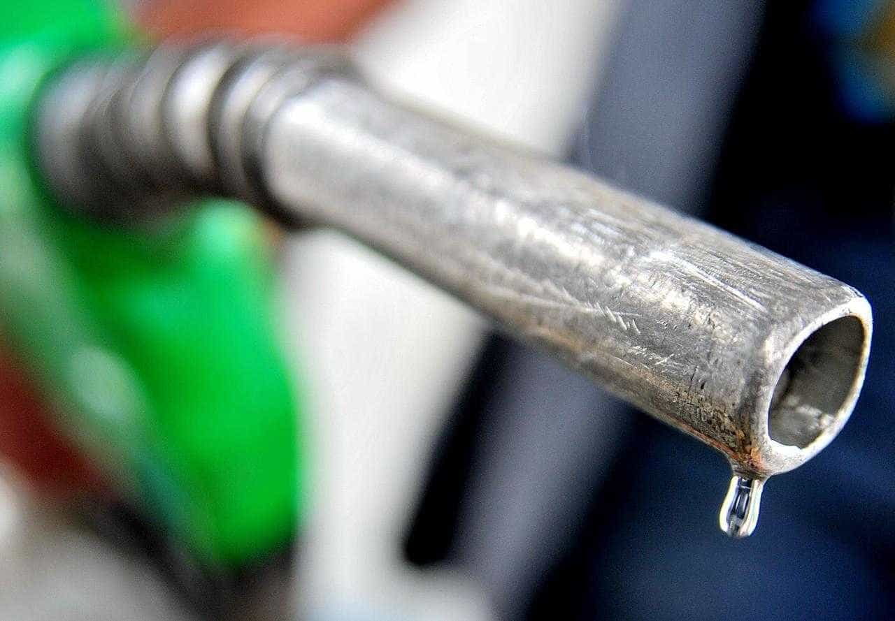 Etanol sobe em 17 Estados, mas preço médio no Brasil recua 0,03%