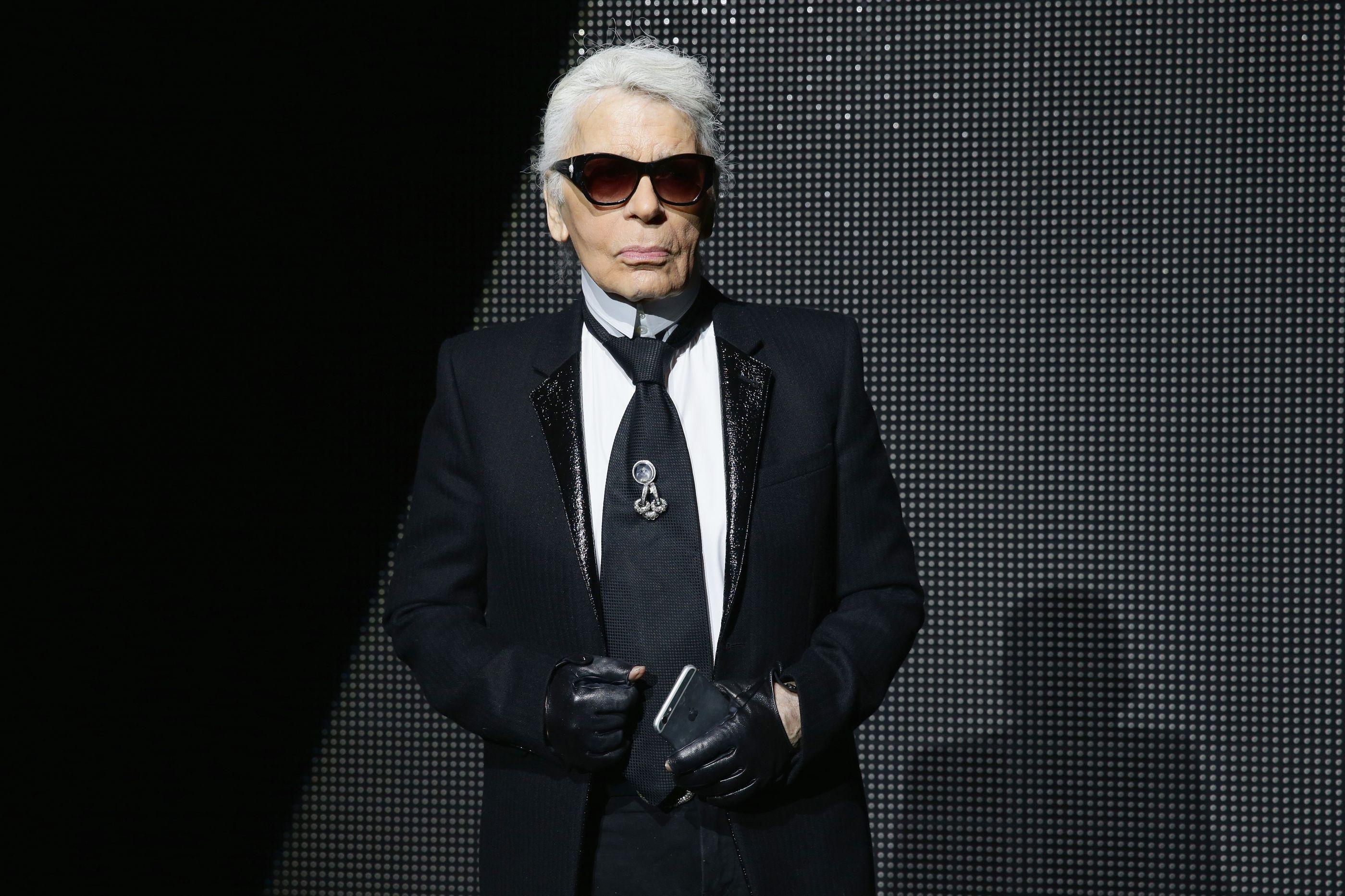 Designer da Chanel, Karl Lagerfeld morre aos 85 anos