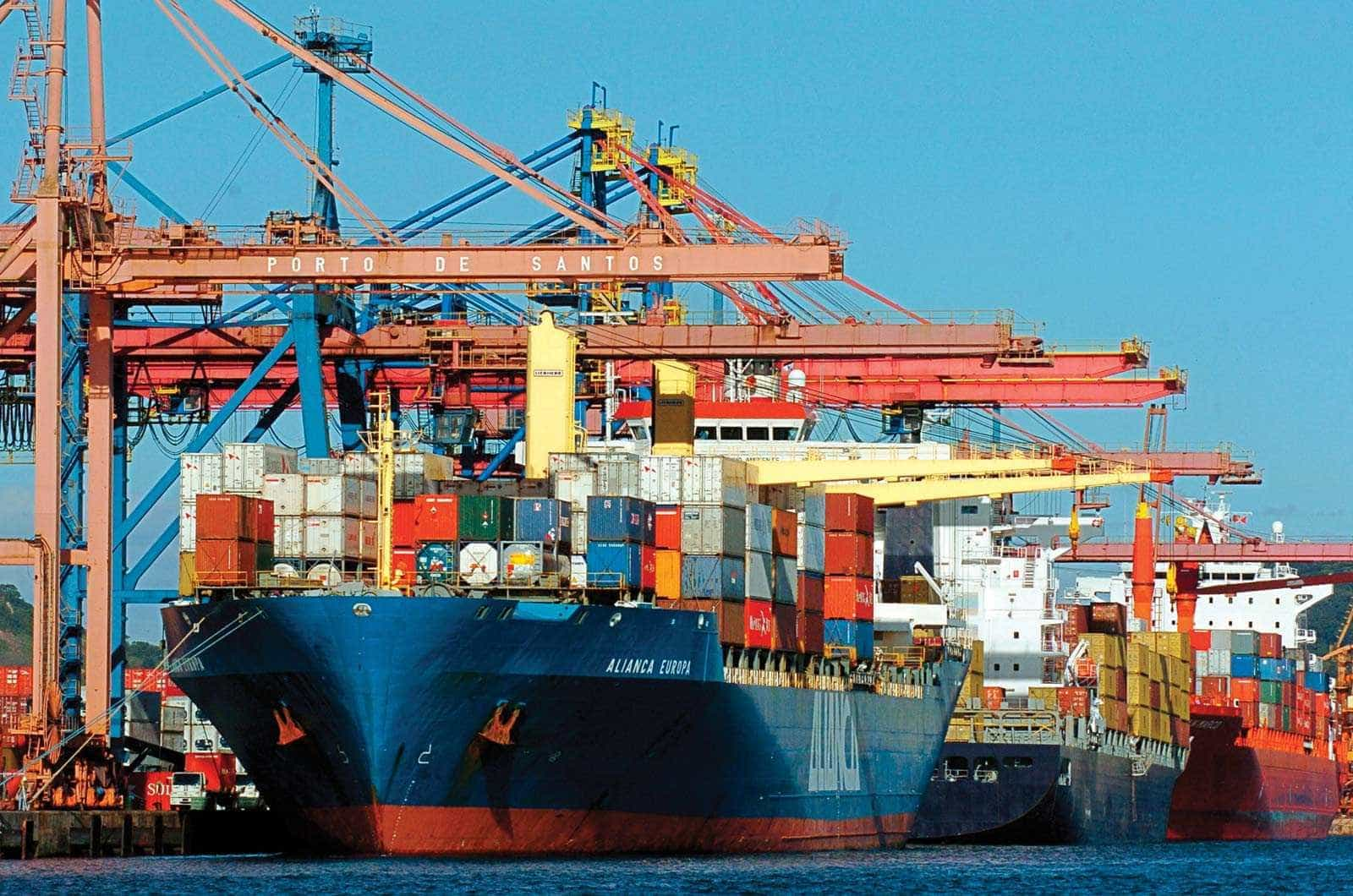 Receita pega 684 kg de cocaína em carga no porto de Santos