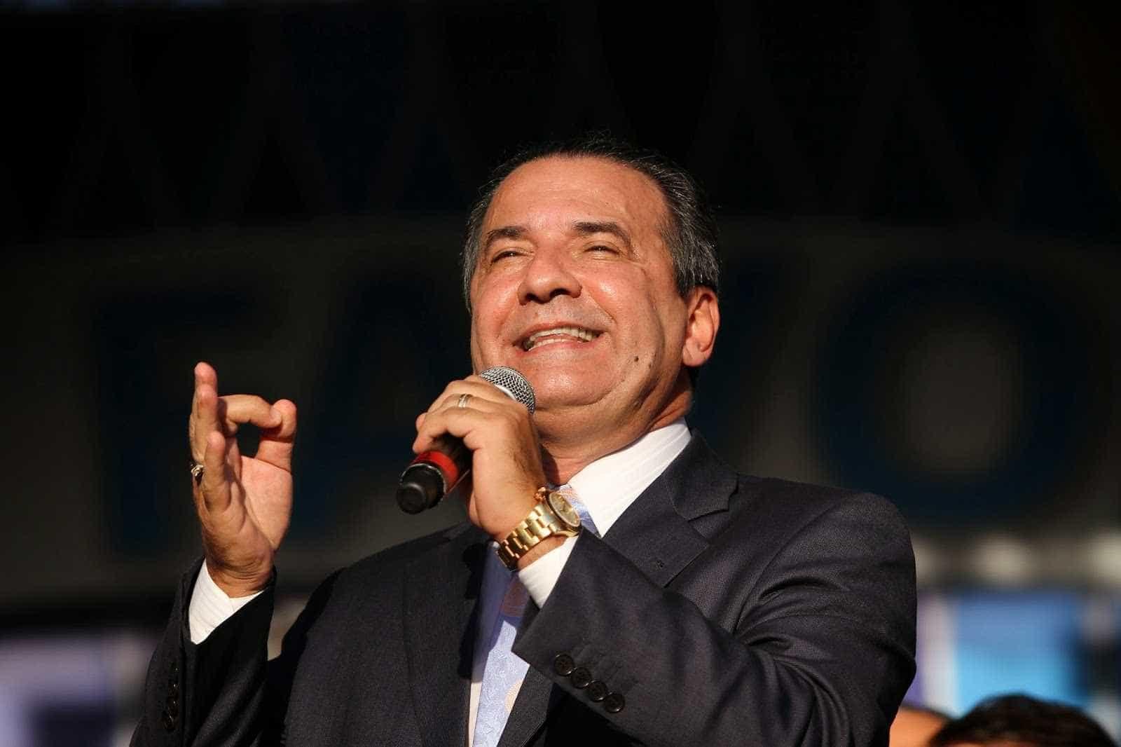 Malafaia: Eduardo Bolsonaro ajudaria mais 'parando de falar asneira'
