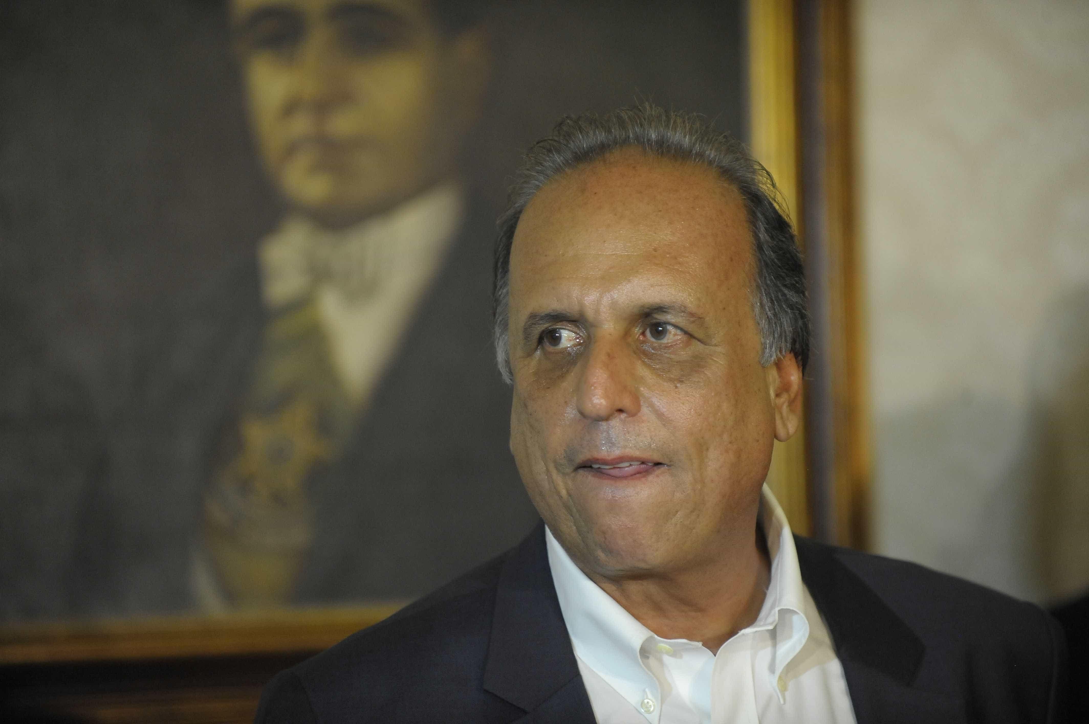 Justiça bloqueia R$ 45 milhões de Pezão, ex-governador do RJ