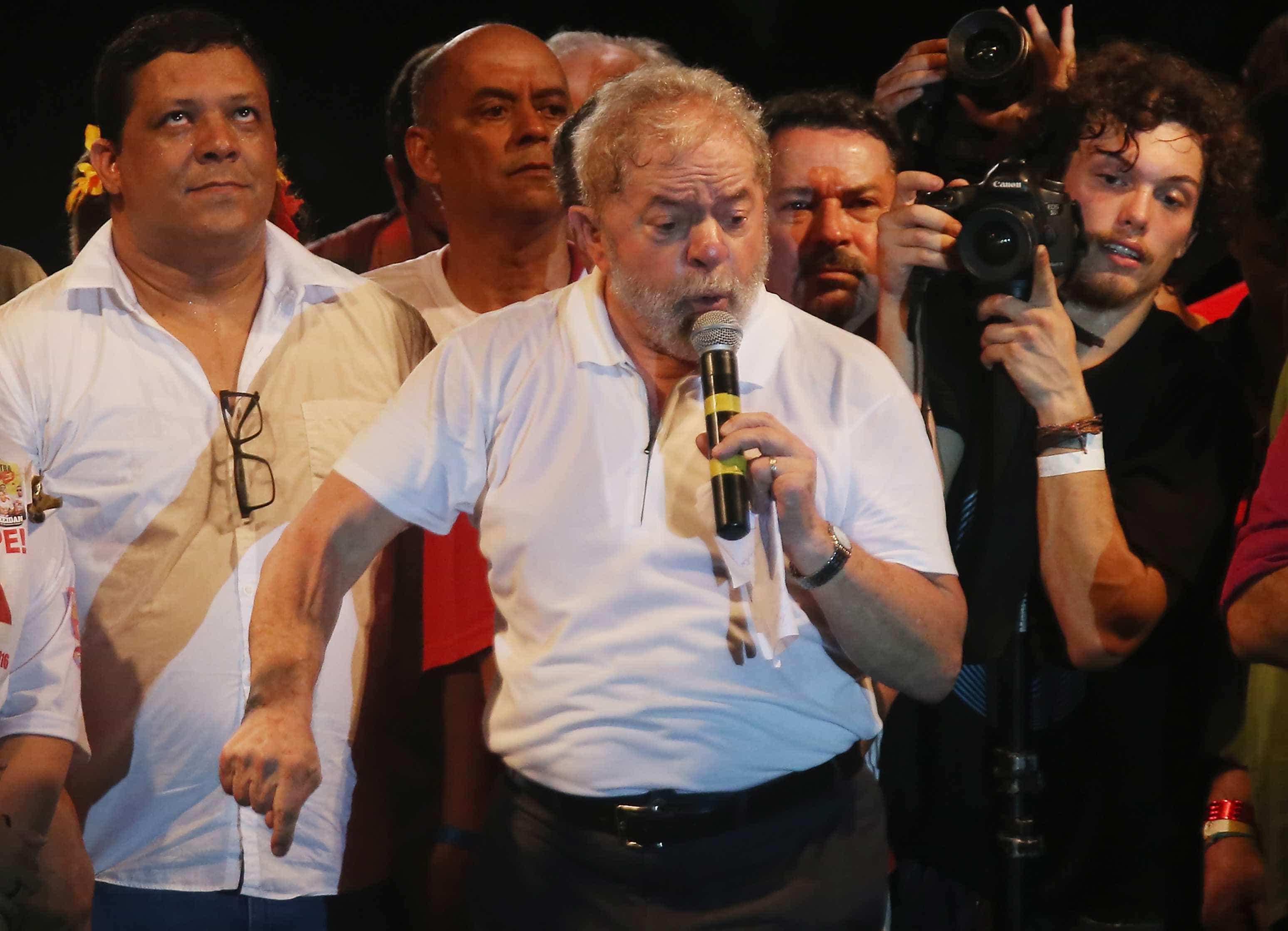 Rouco, ex-presidente Lula falta a ato com Dilma  para se cuidar