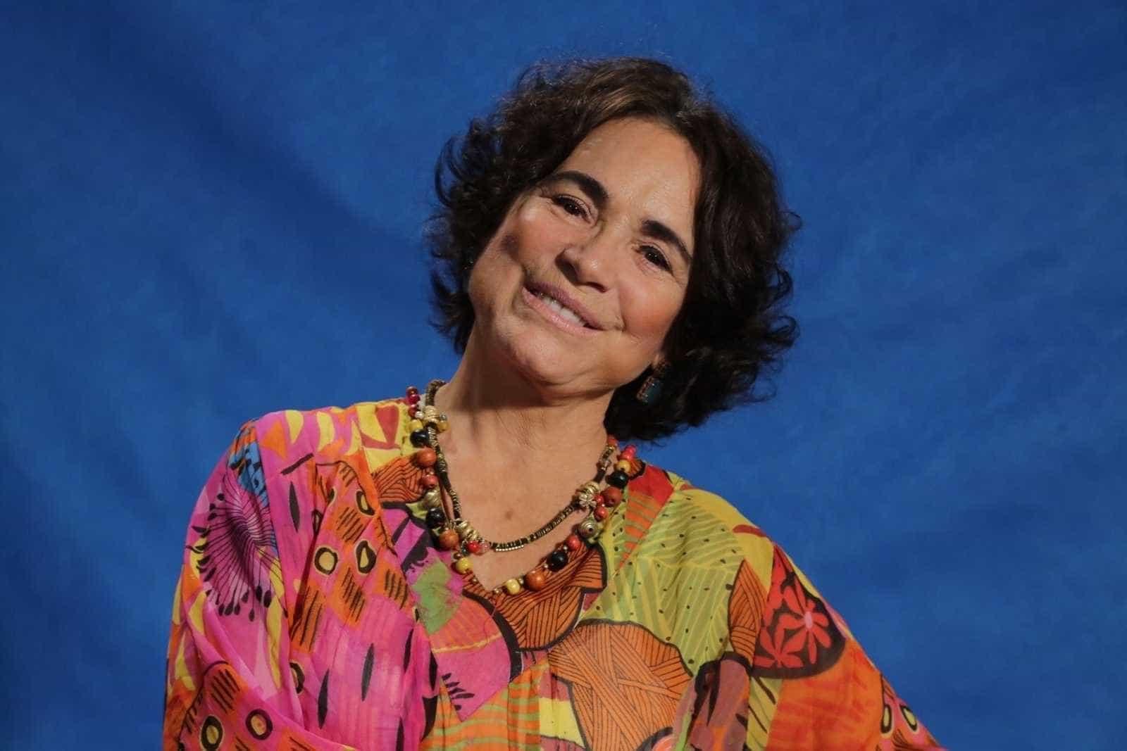 Regina Duarte faz post anti-PT e leva 'invertida' de Patrícia Pillar