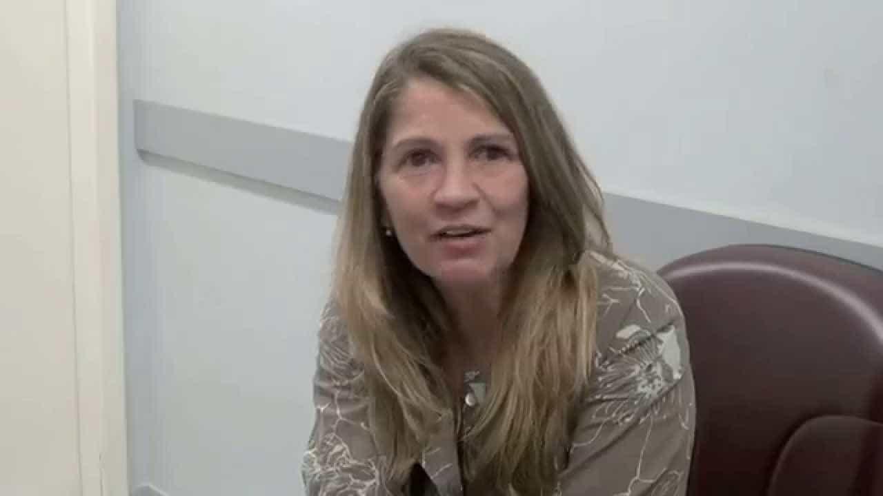 Tássia Camargo pede doações de alimentos para Dilma Rousseff