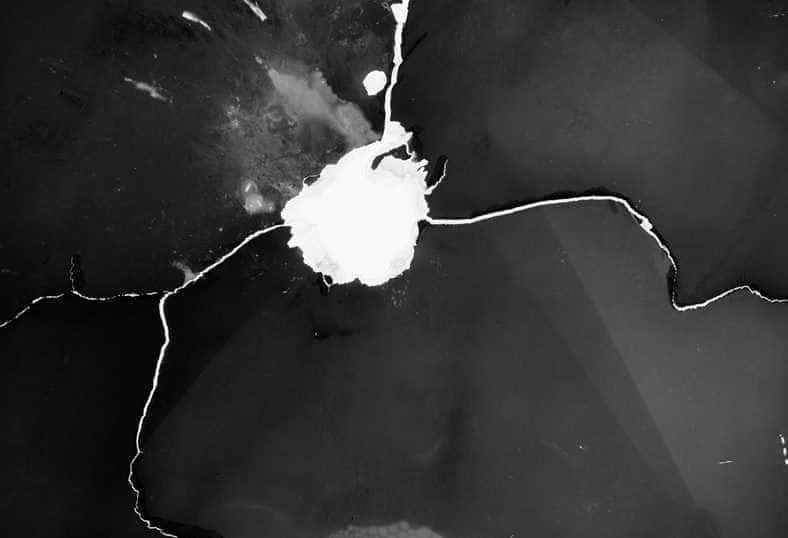 Série de fotos transforma  balas de revólver em câmeras