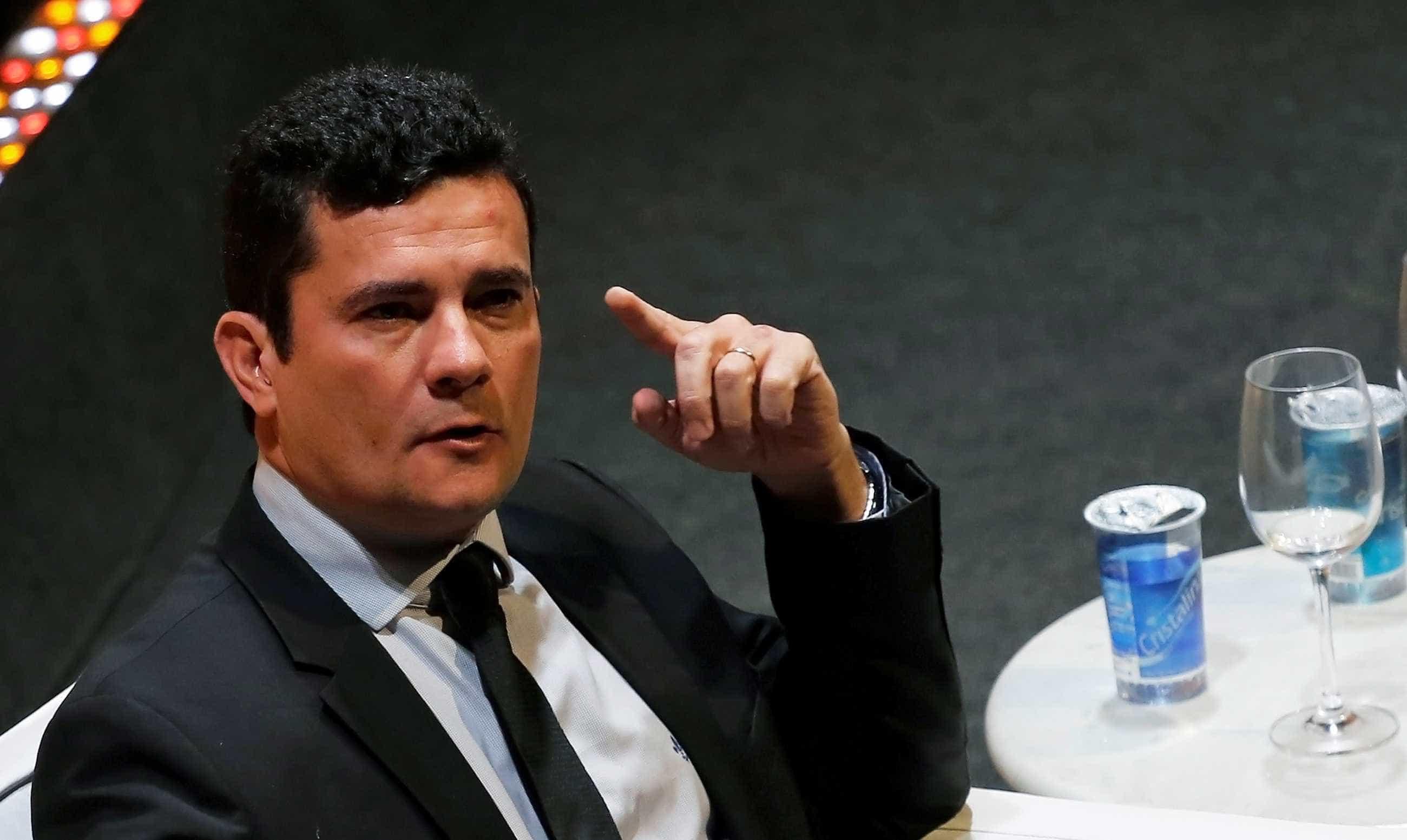Sérgio Moro participa do velório de  Teori em Porto Alegre