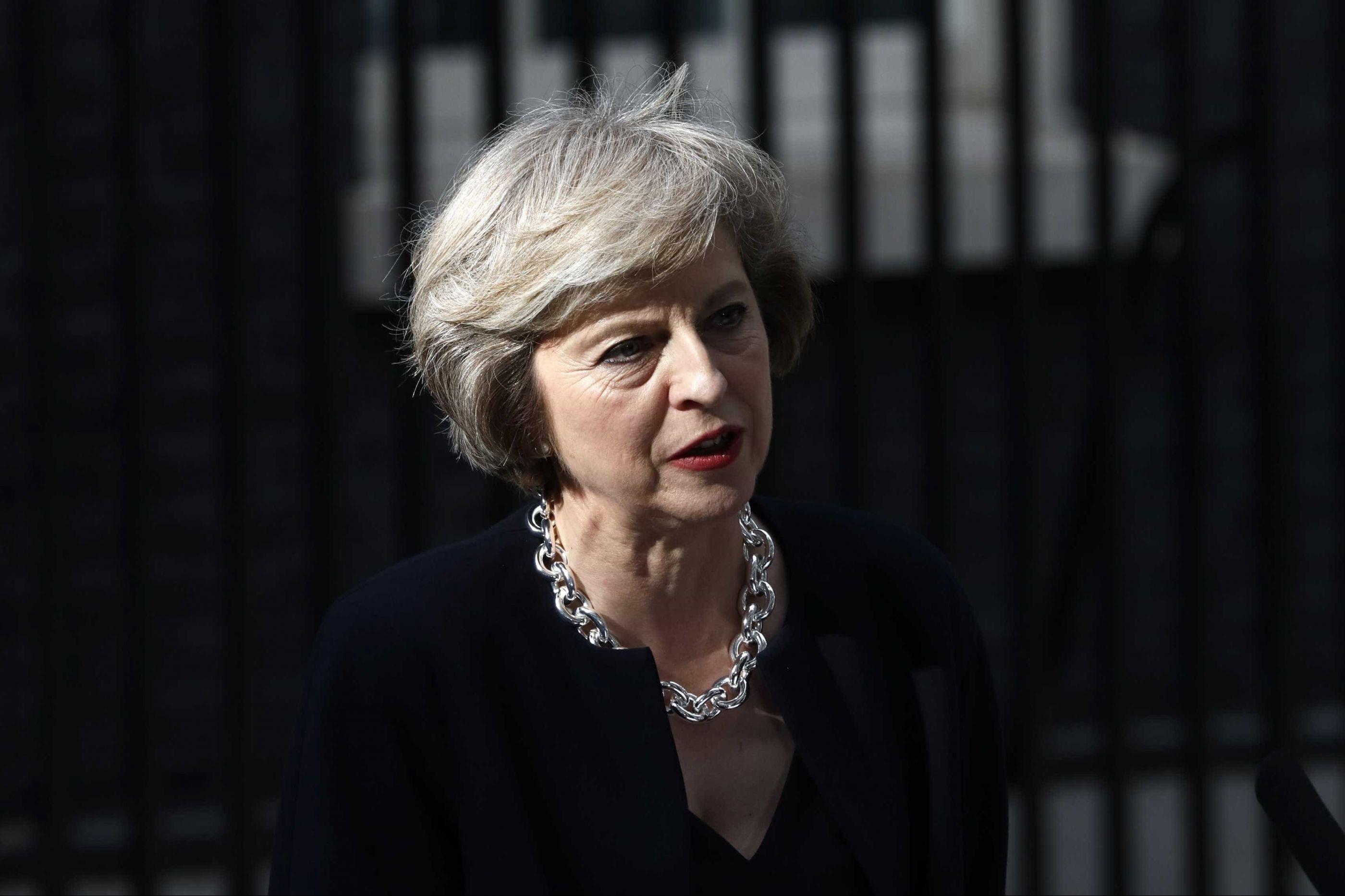 Brexit: Theresa May pondera antecipar eleições, diz jornal